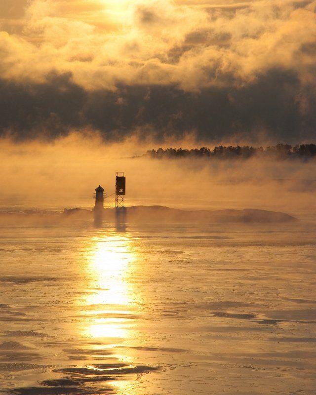 маяк, море, лёд, рассвет, солнце, остров, снег Опасные водыphoto preview