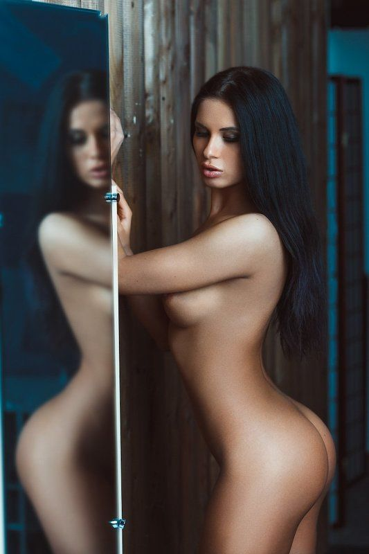 Girl, sexual, nude, act, erotic, nymphomaniac Mirrorphoto preview
