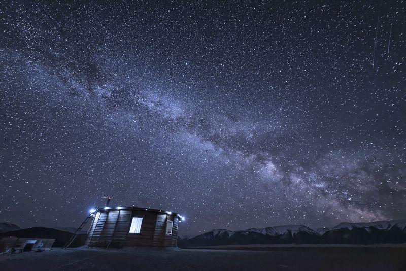 пейзаж, звезды, ночь, звездная ночь, природа, млечный путь, горы, небо, ночное небо Дом звездочетаphoto preview