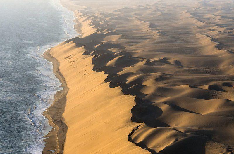 берег скелетов, дюны, намиб, намибия, океан, песок, пустыня, самолет Берег Скелетов (Намибия)photo preview