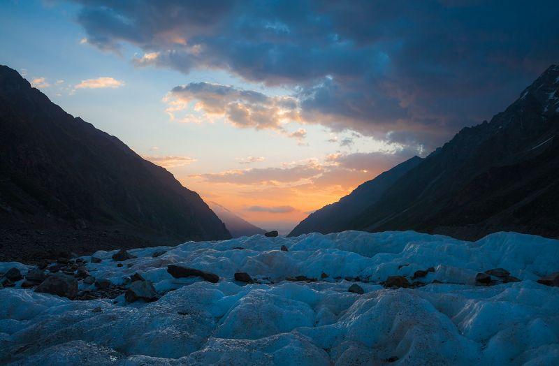 кавказ, горы, Безенги, рассвет, ледник, утро, облака Лед без виски.photo preview