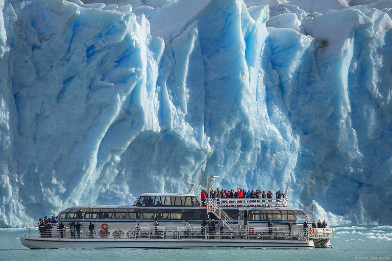 ледник, перито, морено Близ ледяной громадыphoto preview