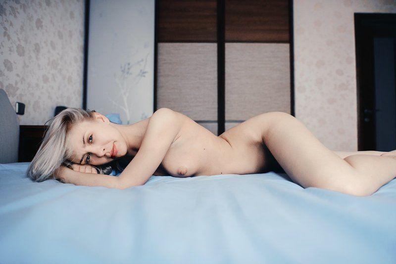 кровать,ню,интерьер,постель, из серии blue\\whitephoto preview