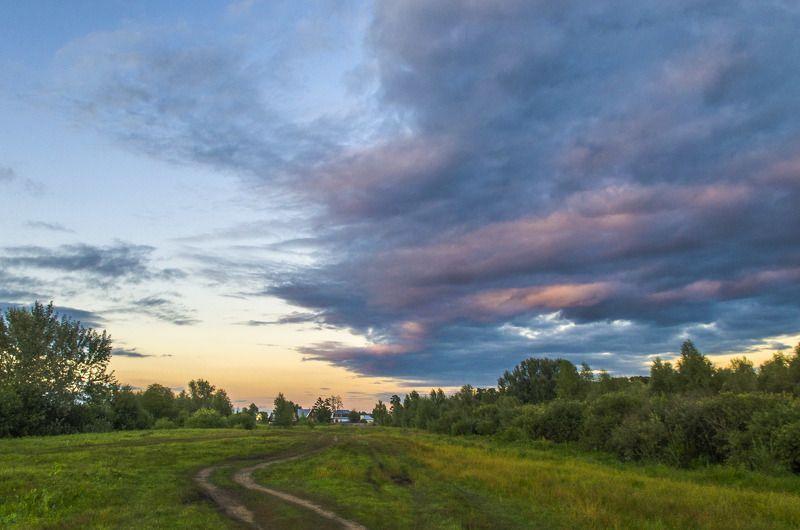 облака, вечер, пейзаж, природа, небо, лето, гроза, закат Летний вечер после грозыphoto preview