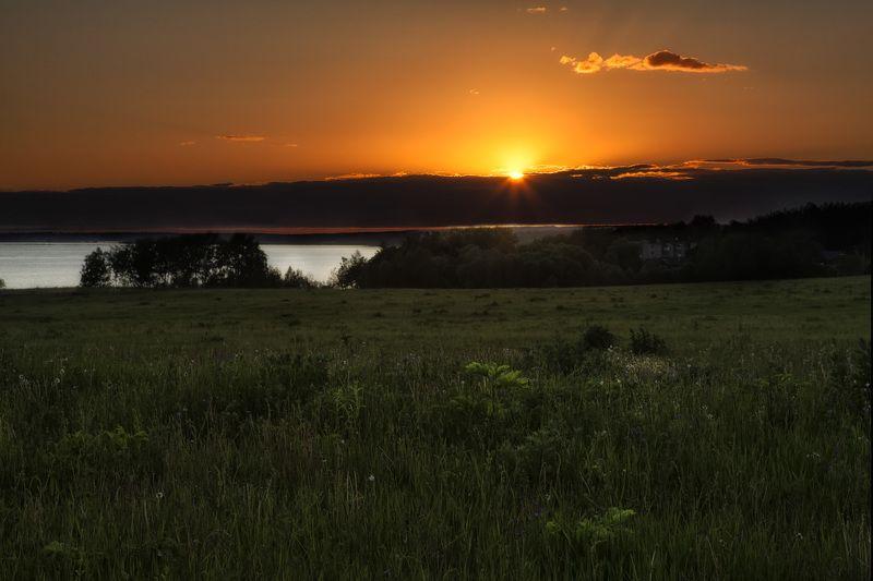 Наступает летняя ночь..photo preview