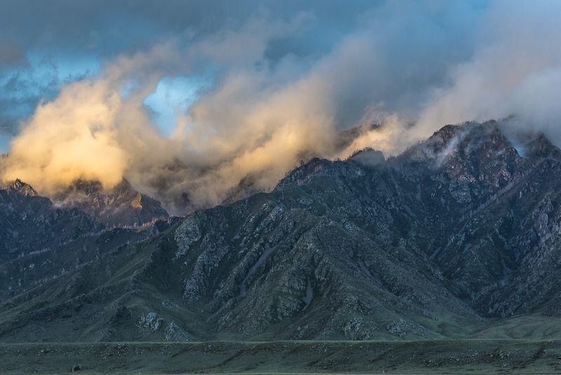 пейзаж, природа, закат, вечер, лето, горы, туман Дымящиеся горыphoto preview