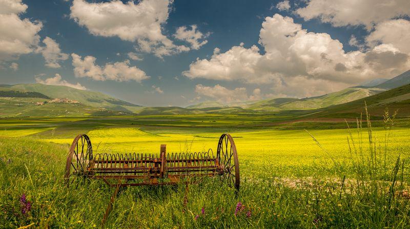 Castelluccio, Countryside, Fields, Italy, Landscape, Umbria На полях долины Castellucciophoto preview
