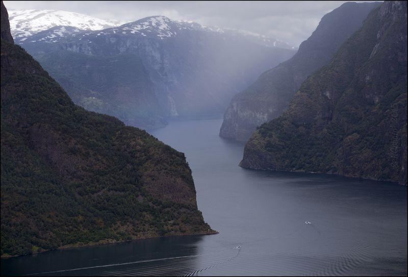 Норвегия Лодки в Aurlandsfjorden.photo preview