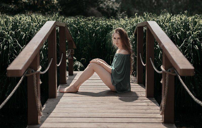 мост,девушка,зелень,трава,цветы,розарий photo preview