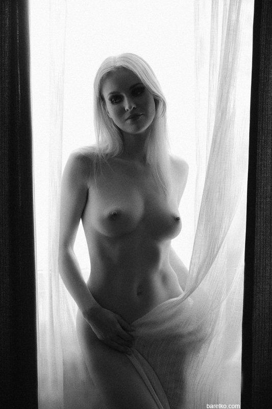 nude, erotica, nu, art, black and white, woman, young Maryphoto preview