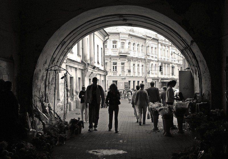 ярославль, тысячелетие, город, чб, беспорядок, хаос Арка Знаменской башниphoto preview