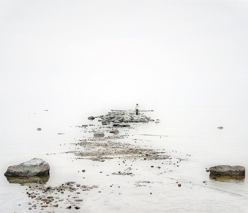 камни, дымка, залив Вглядываясь в даль...photo preview