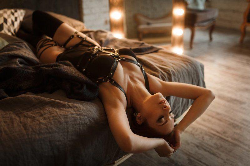 девушка, лофт, студия, боди, портрет, ламповый, woman, loft, portrait Тепло лампphoto preview