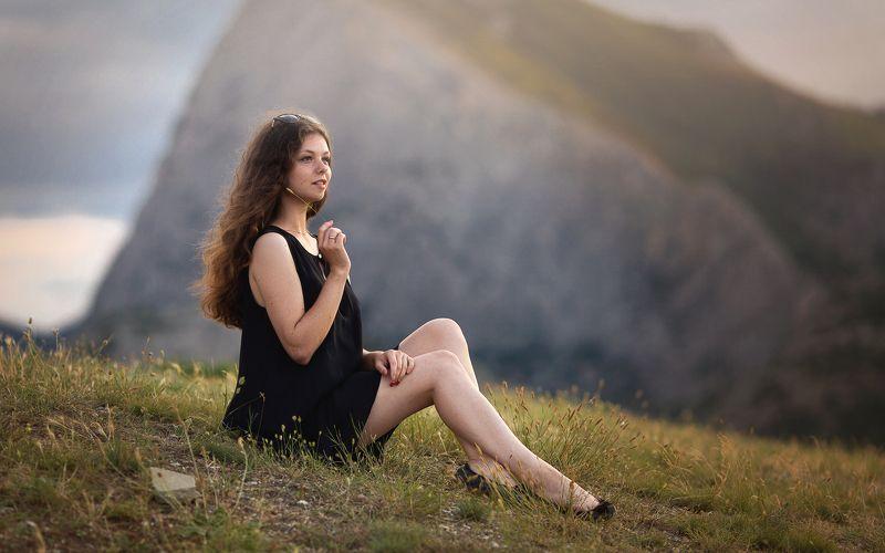 портрет, горы, пейзаж, девушка, черное платье, Горыphoto preview