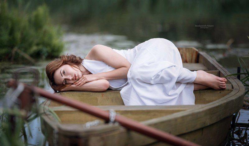 девушка, портрет, лодка, озеро, модель, лето Александраphoto preview