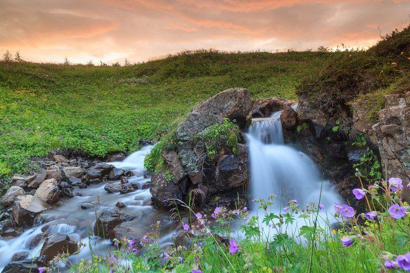 Речушка на востоке Исландииphoto preview