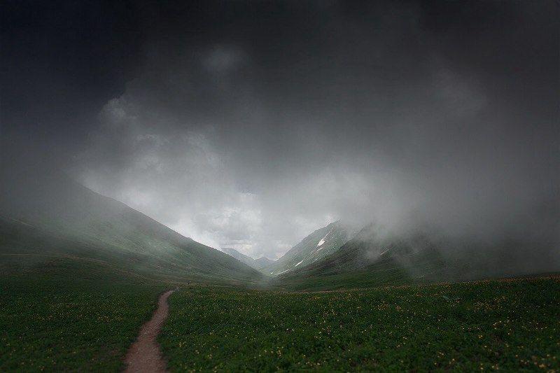 Когда облачко накрывает в горахphoto preview