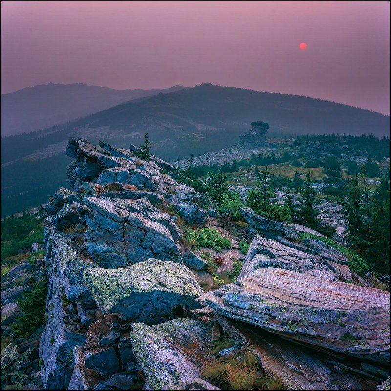 Восход, Горы, Скалы, Урал Уреньга, вид на первую сопку.photo preview