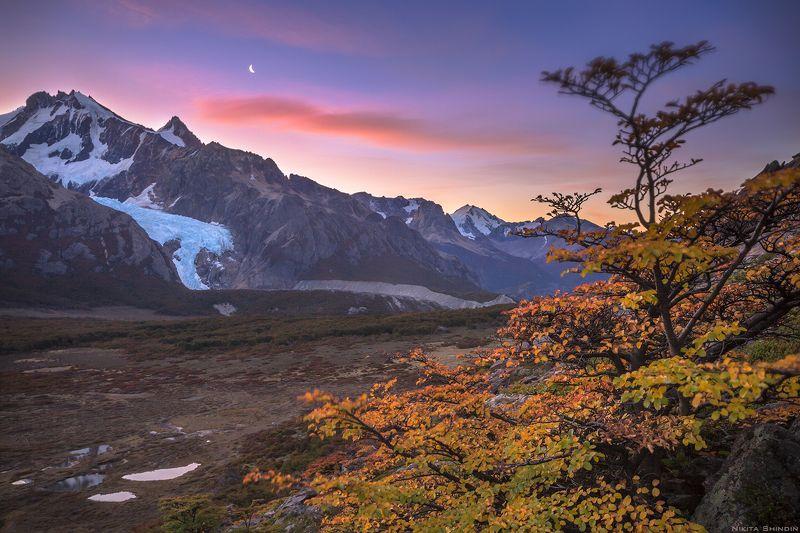месяц, ледник и Андыphoto preview