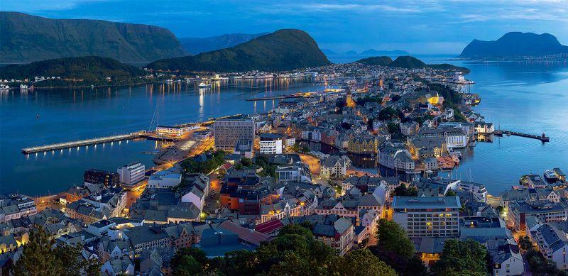 Белые ночи в Норвегии. Алесундphoto preview