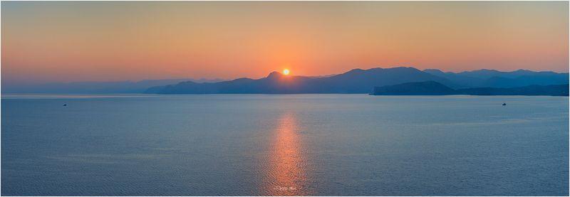 Горы, Закат, Корабли, Крым, Крымские горы, Море, Панорама, Солнце, Черное море photo preview