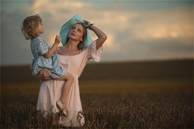 Child, Children, Field, Fields, Portrait, Summer, Woman, Women Summer Stormphoto preview