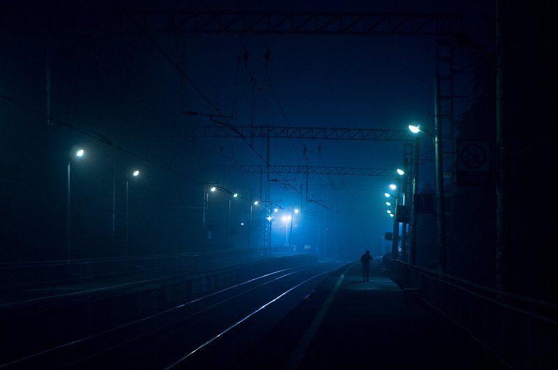 Долгопрудный водники жд ржд ночь туман водники долгопрудный  Станция Водникиphoto preview