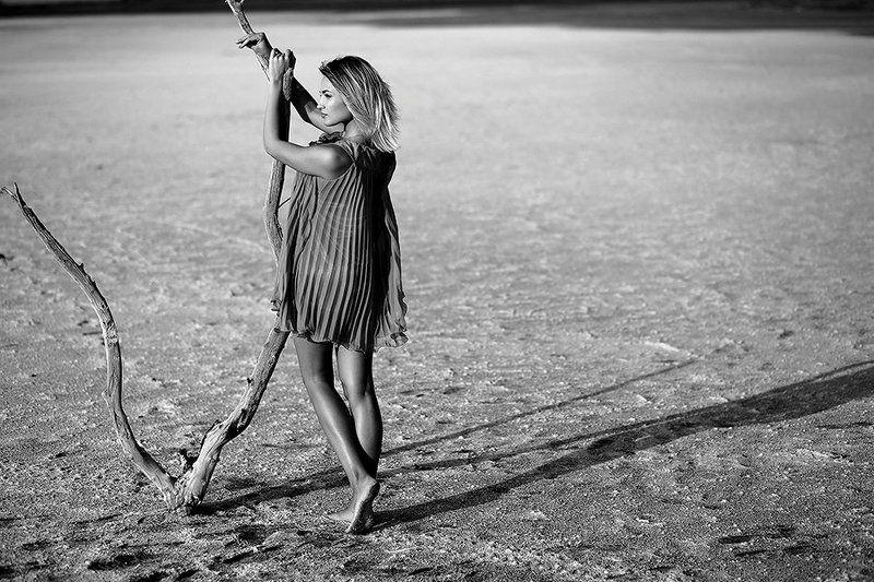 в соленой пустынеphoto preview