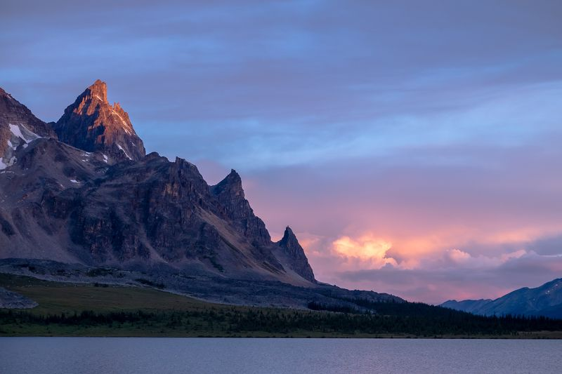 canada, alberta, jasper, mountains, rockies, tonquin, sunrise Утренний светphoto preview