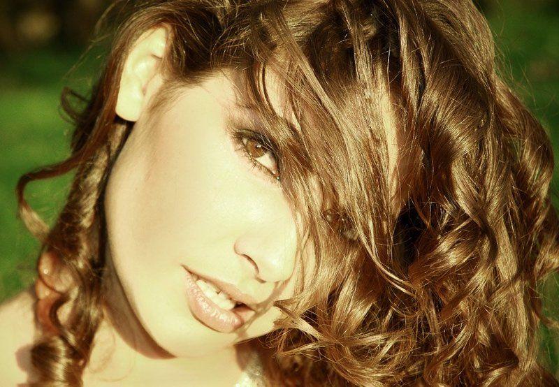 ангел, красивая, молодая, девушка, природа, шатенка, трава. зелень,  гламур, севастополь, крым Кареглазаяphoto preview