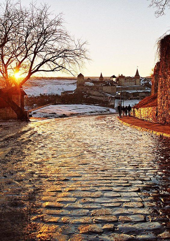 каменец, подольский Дорога солнцаphoto preview