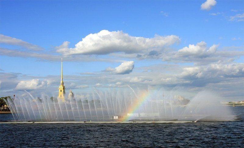 фонтан, нева, стрелка Город и фонтанphoto preview