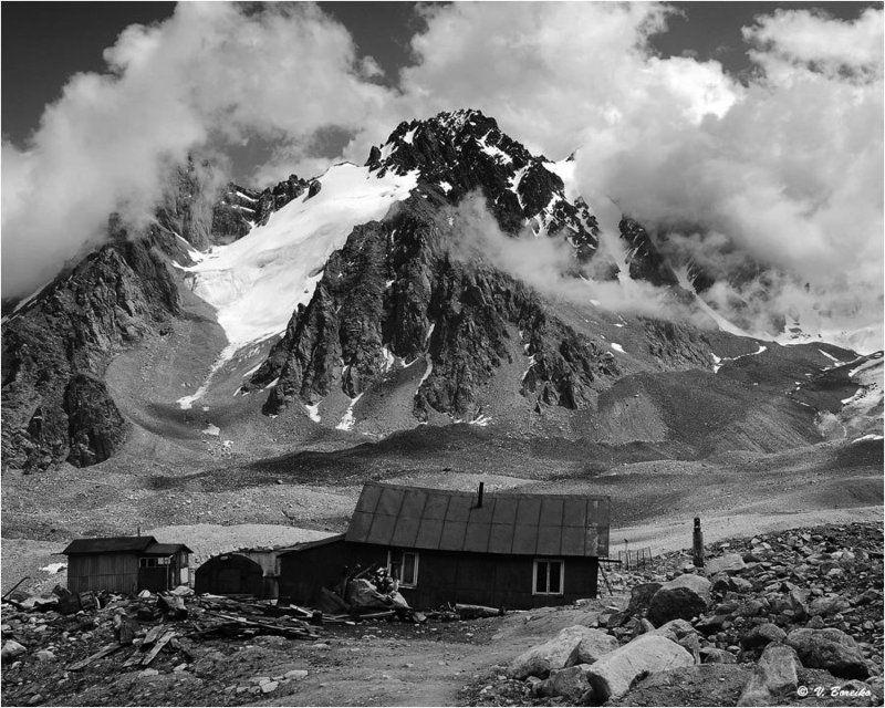 заилийский, алатау Приют одинокого альпинистаphoto preview