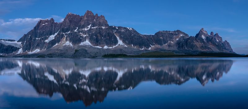 Canada, Alberta, Jasper, Tonquin, mountains Рампартыphoto preview