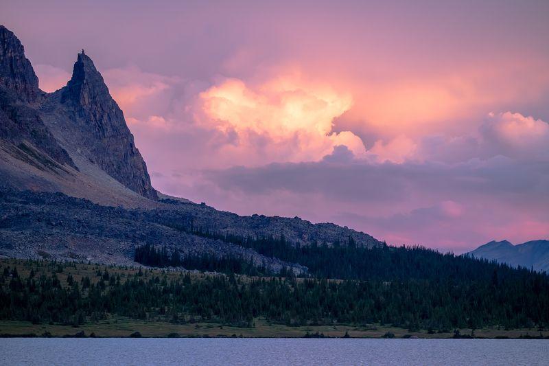 Canada, Alberta, Jasper, Tonquin, mountains Рассвет в долине Тонкин. photo preview