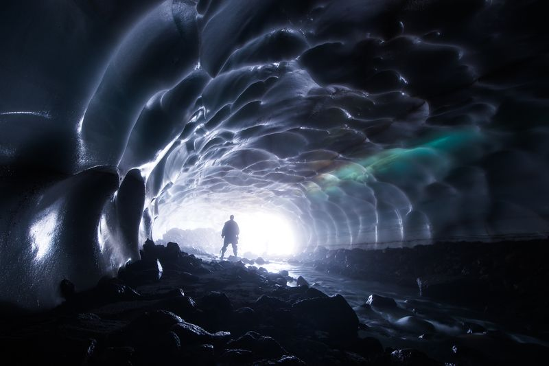 природа, пещера, камчатка, снежная пещера,  В поисках светаphoto preview
