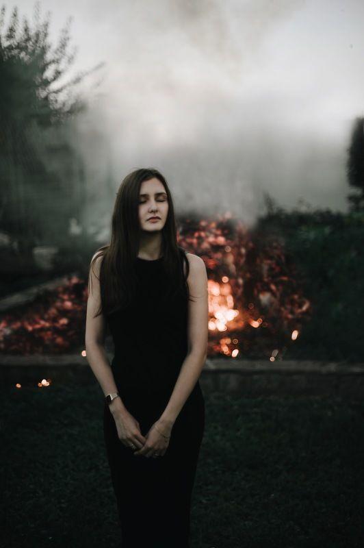 девушка 35mm 50mm 1.4 портрет огонь  photo preview