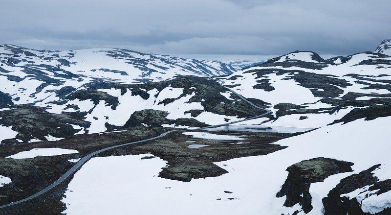 норвегия, горы, снег, дорога, norway, mountains, snow, road Mountain roadphoto preview