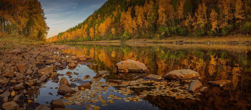 река, камни, осень, листья, вода, вечер, небо Осеннее зазеркальеphoto preview