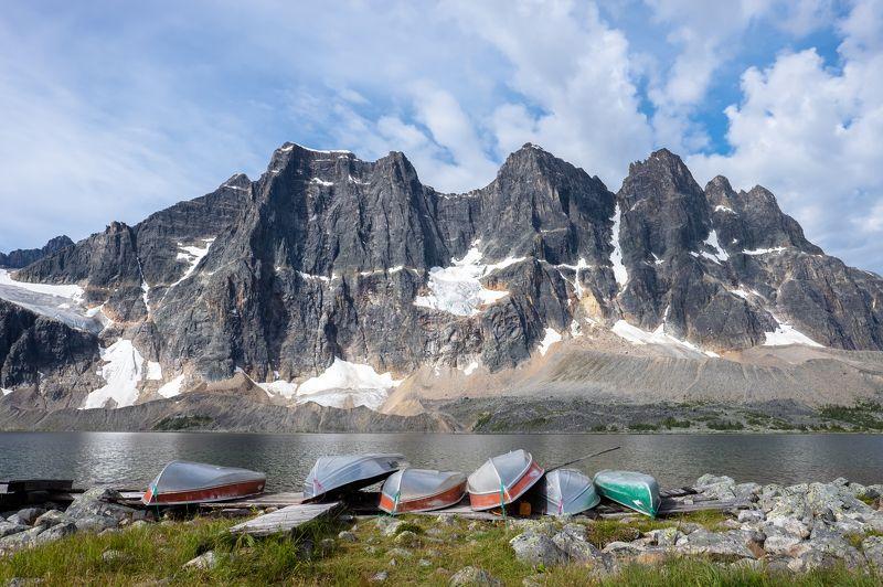 Canada, Alberta, Jasper, Tonquin, mountains Причалphoto preview