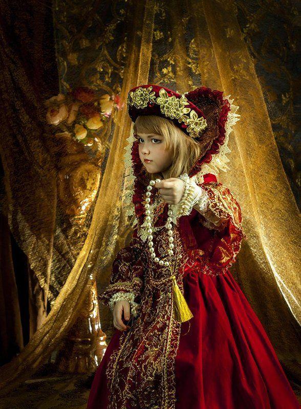 Маленькая фея и волшебные чёткиphoto preview