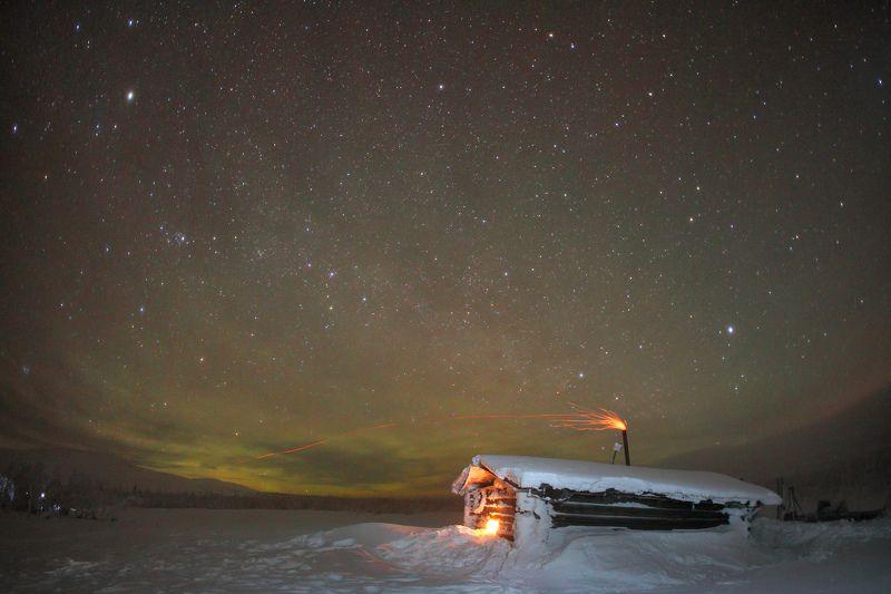 ГУХ Урал ночь зима Вогульская изба в долине Лямпыphoto preview