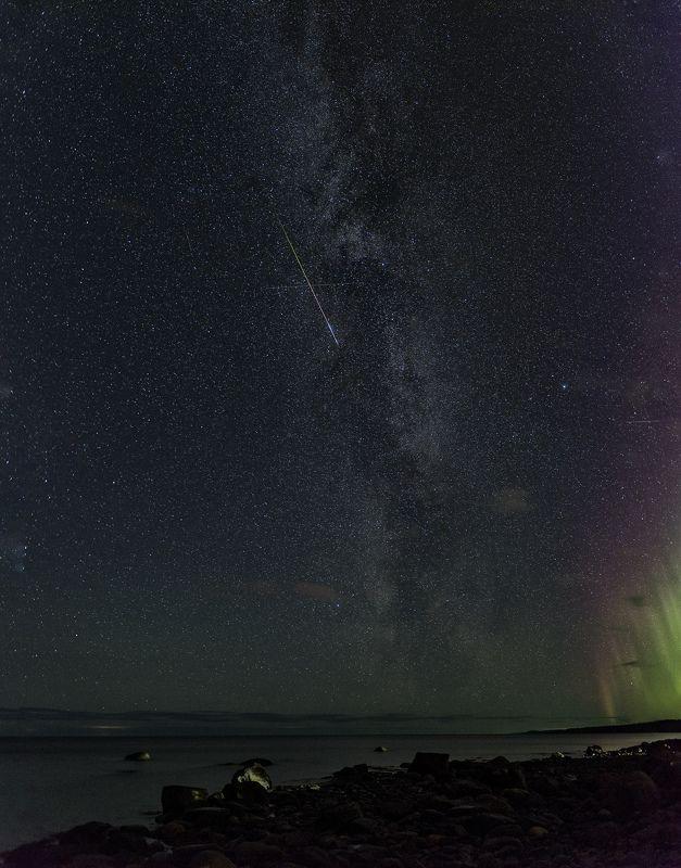 Млечный путь, звёзды, сияние и метеор )))photo preview