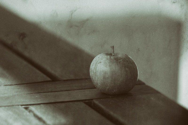 натюрморт яблоко Яблоко. Просто яблоко.photo preview