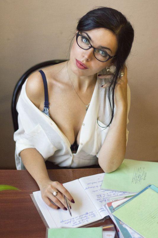 Учитель французского языкаphoto preview