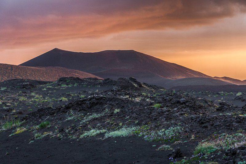 закат,камчатка,вулканы,вечер Закат на Толбачинском долуphoto preview