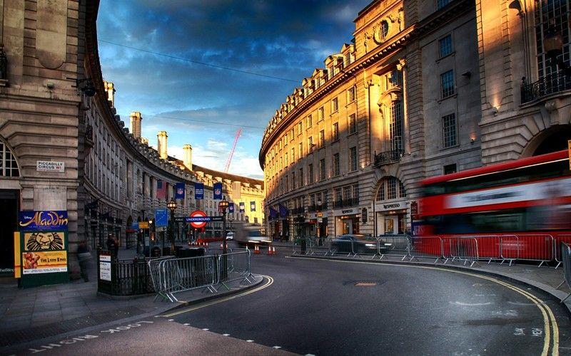 Водовороты Риджент-стрит, Лондонphoto preview
