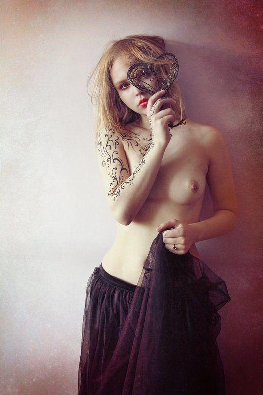 девушка, сердце with lovephoto preview