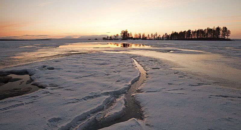 пейзаж,весна,север,озеро о.Колвица....Майphoto preview