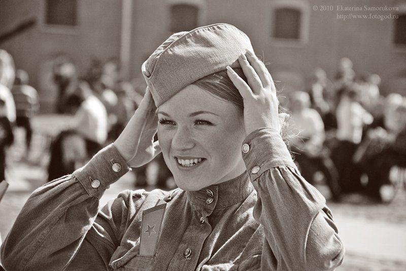 солдатка, военное, форма, 9мая, портрет, улыбка, девушка солдаточкаphoto preview